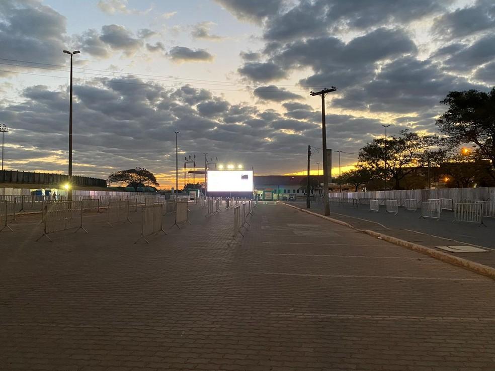 Instalação do Circuito Cine Drive-in nas Cidades, no DF — Foto: Divulgação
