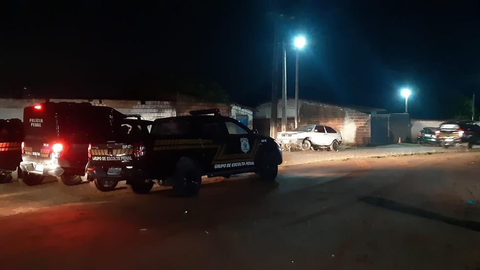 Buscas por fugitivos de Alcaçuz  — Foto: Sérgio Henrique Santos/Inter TV Cabugi