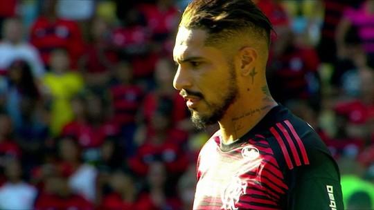 """Caio Ribeiro comenta possibilidade de Guerrero ser titular: """"Está na prateleira de melhores centroavantes"""""""