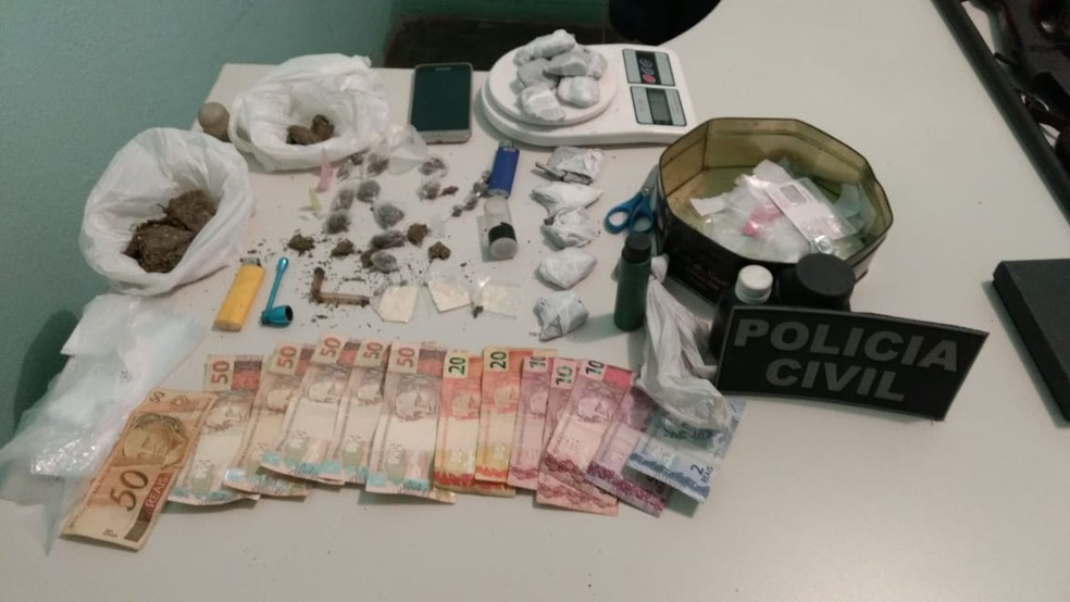 Operação cumpriu mandados de busca e apreensão contra homicidas e traficantes de drogas — Foto: Polícia Civil/Divulgação