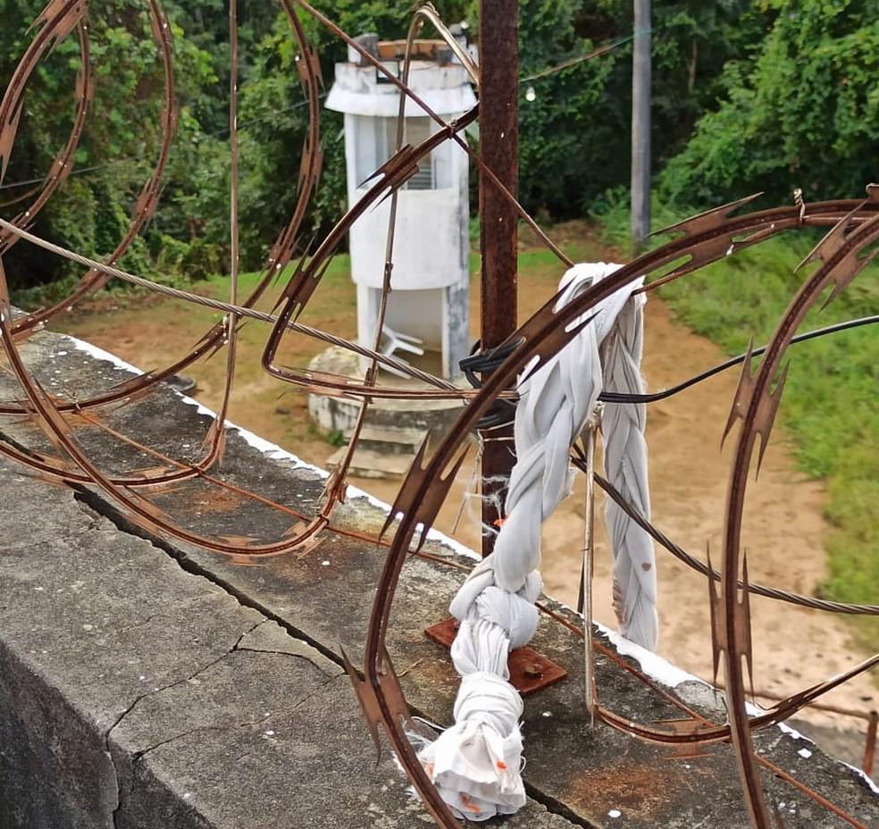 Detento fugiu com ajuda de corda feita com lençóis — Foto: Sindicato dos Servidores Penitenciários