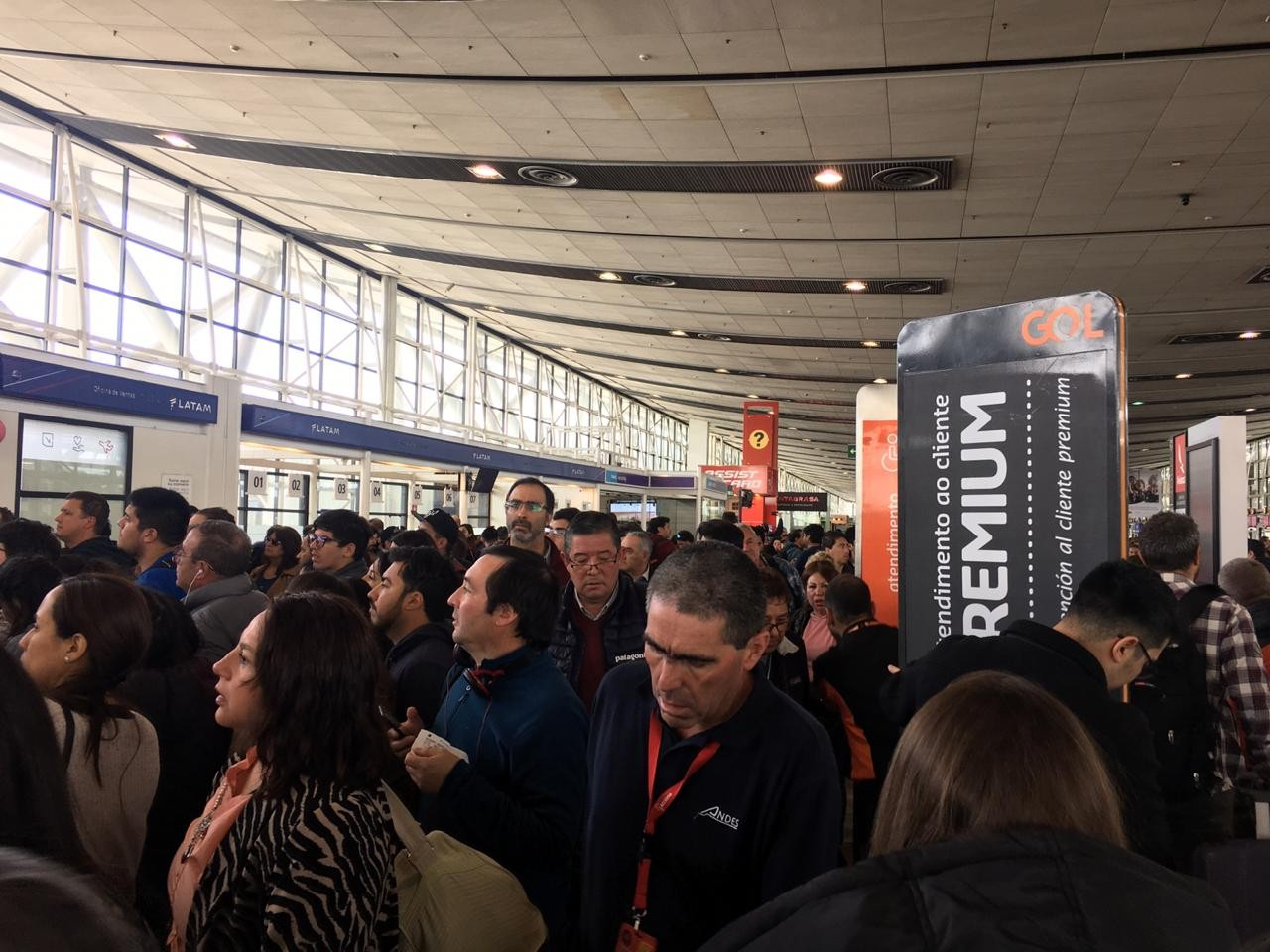 Protestos no Chile afetam voos; veja quais cancelamentos foram divulgados - Notícias - Plantão Diário