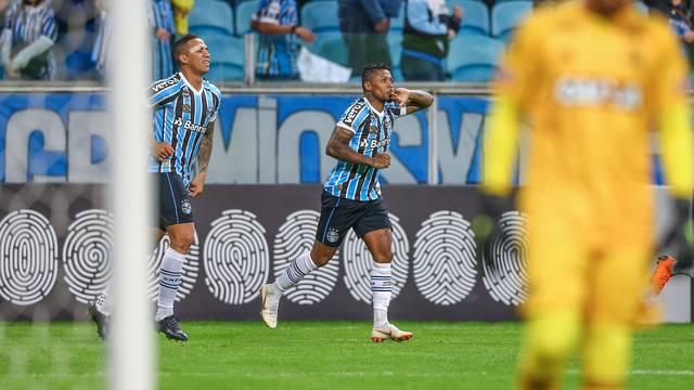 Marinho e Jael contra o Flamengo