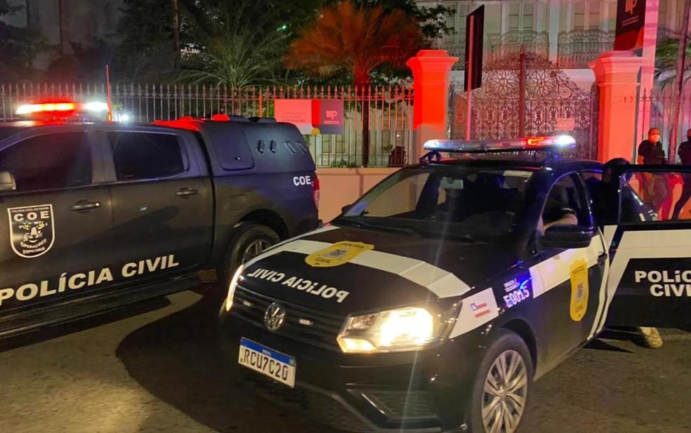 Mandados foram cumpridos em sede do SAC, Detran e nas casas dos novos investigados — Foto: Humberto Filho/MP-BA
