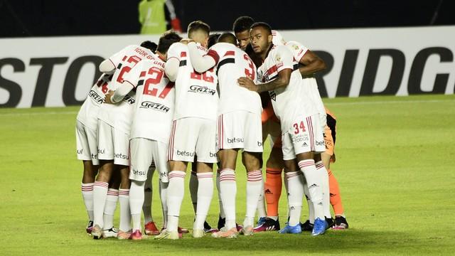 Titulares do São Paulo contra o Racing