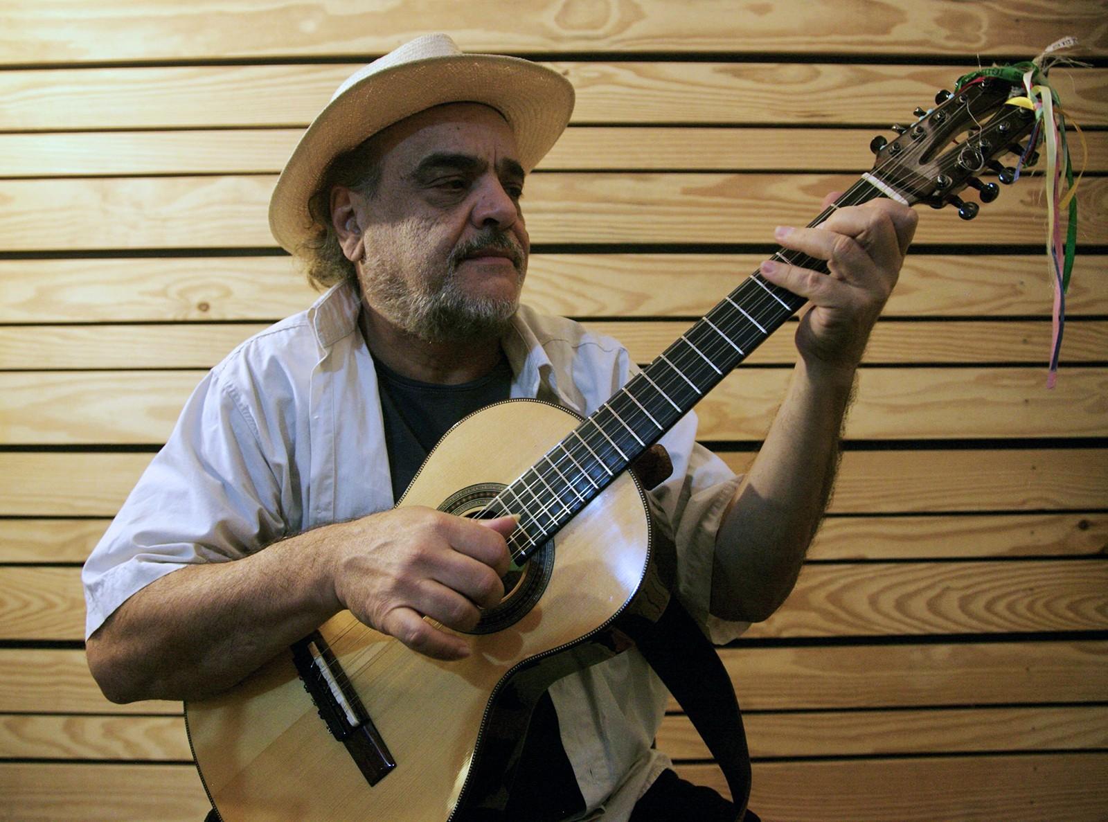 Vinte violeiros expõem a diversidade do toque do instrumento no álbum 'Viola paulista II'