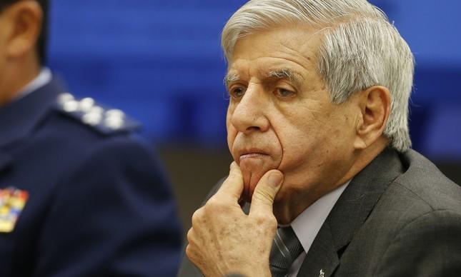 Augusto Heleno não criticou Bolsonaro