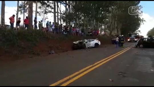 Cinco pessoas morrem e uma fica ferida em acidente no norte do Paraná; três vítimas estavam a caminho do Enem