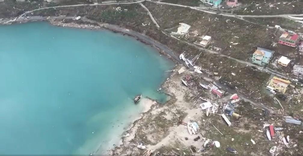 Vista aérea da devastação após o furacão Irma, em Tortola, Ilhas Virgens Britânicas (Foto: Caribbean Buzz Helicopters via REUTERS)