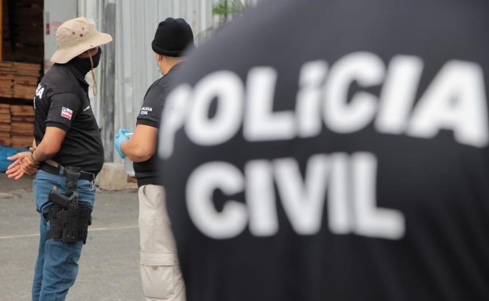 O homem suspeito pelo crime foi preso por equipes da 1ª Coordenadoria Regional de Polícia do Interior (Coorpin/Feira) e da Delegacia de Repressão a Furtos e Roubos de Feira de Santana — Foto: Divulgação/Polícia Civil