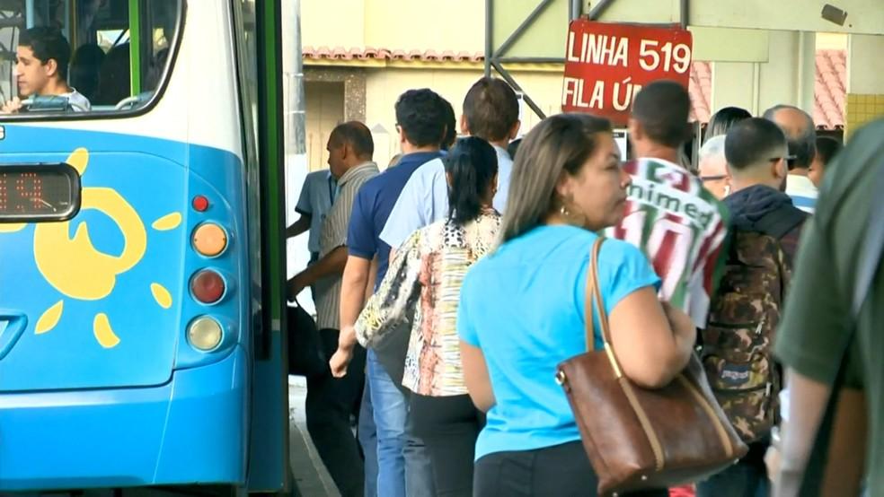 Terminal do Ibes, em Vila Velha, após interdição do Terminal de Itaparica (Foto: Luciney Araújo/ TV Gazeta)