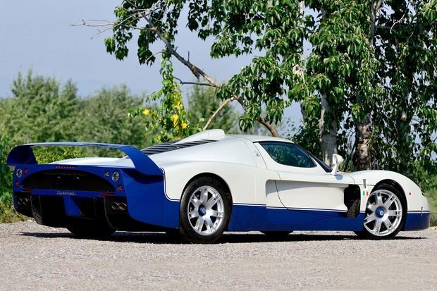 A aerodinâmica é feita para colar o carro no chão (Foto: Divulgação)