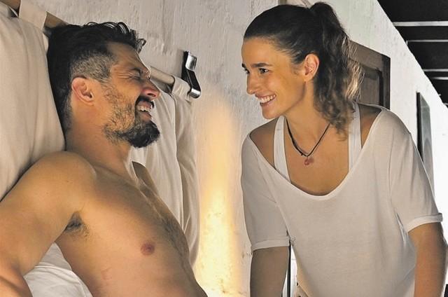 """Priscila Steinman e Romulo Estrela no filme """"O amante de Júlia"""". (Foto: Divulgação)"""