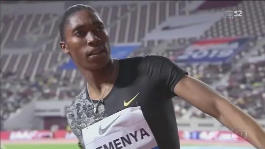 Bicampeã olímpica Caster Semenya vence pela 30ª vez seguida uma prova de 800 metros rasos