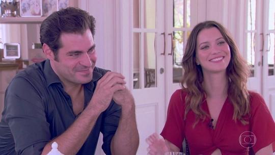 Thiago Lacerda e Nathalia Dill recebem Poliana Abritta para chá da tarde