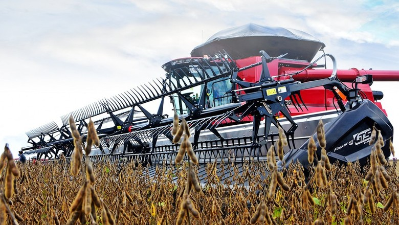 máquina agrícola (Foto: André Schaun)