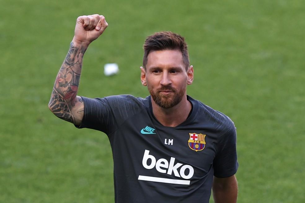 Messi em treino do Barcelona no Estádio da Luz — Foto: Reuters