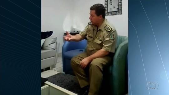 Comandante da PM recebe família de refém morto a tiros por policiais e volta a criticar ação: 'Repleta de erros'