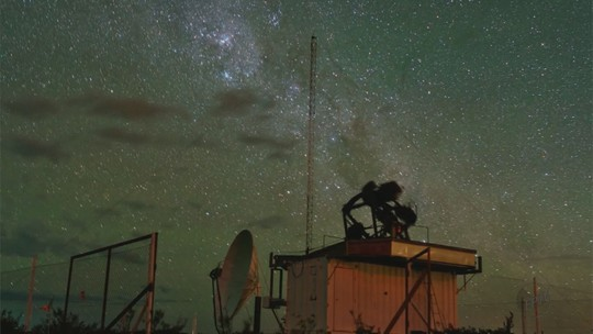 Pesquisadores da USP criam equipamento para descobrir origem de raios cósmicos