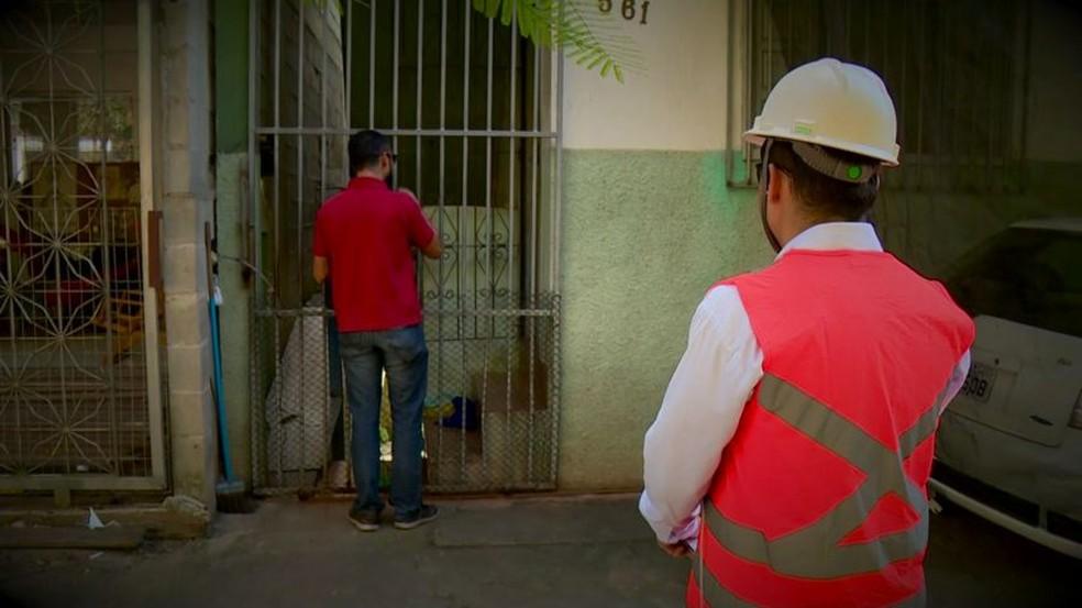 Fundação pede retirada de famílias de região em Linhares — Foto: Raphael Verly/ TV Gazeta