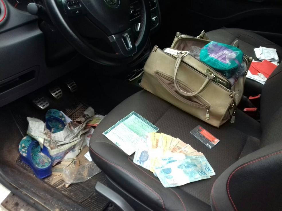 prf - Carro é recuperado momentos após ser roubado em posto de gasolina na BR-316