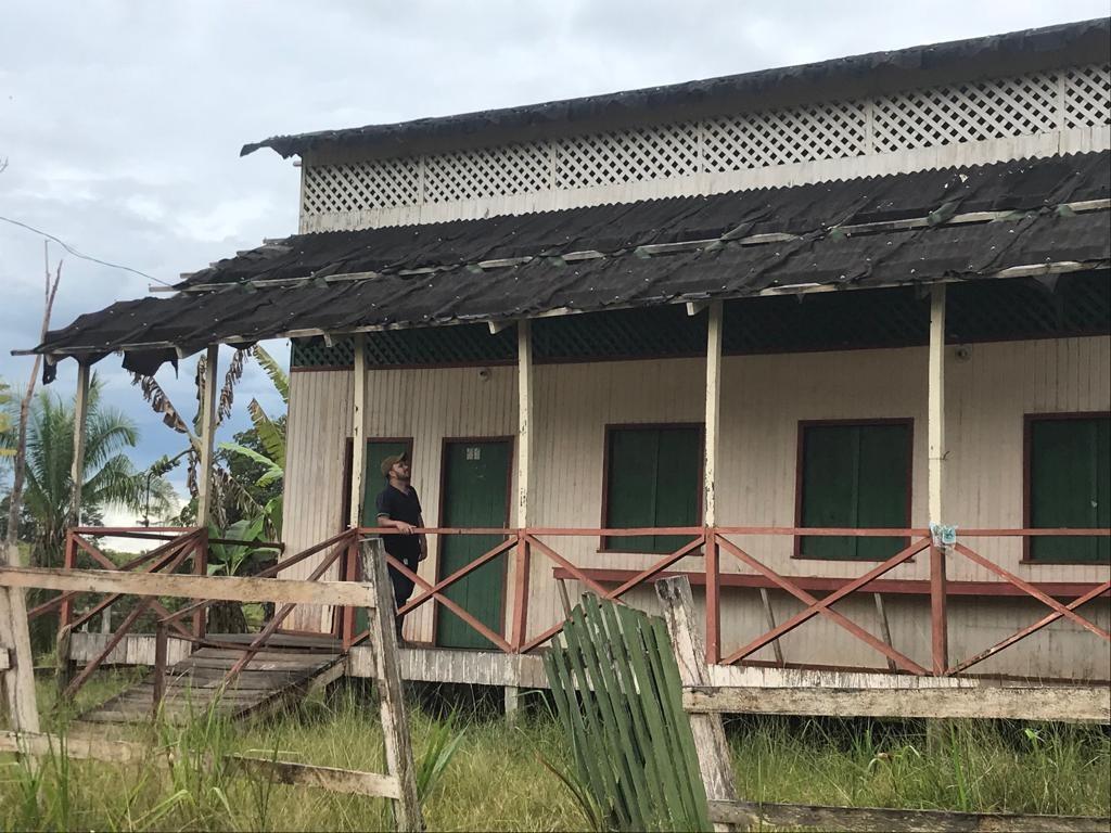 Vereador denuncia estrutura de escola com telhas prestes a cair no interior do Acre - Noticias