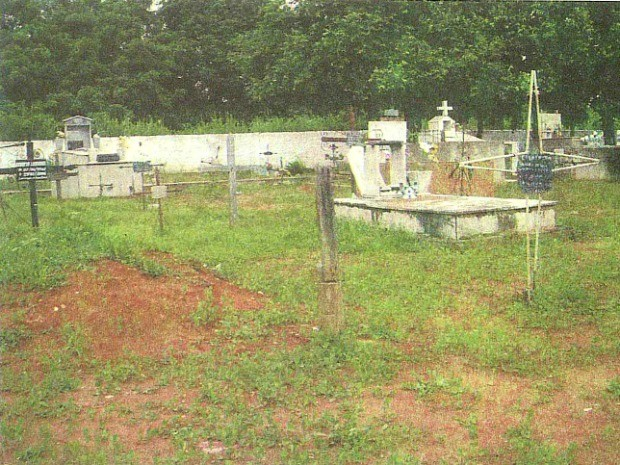 Pesquisa contou com abertura do túmulo em Livramento. (Foto: Simoni Guerreiro Dias / Arquivo Pessoal)