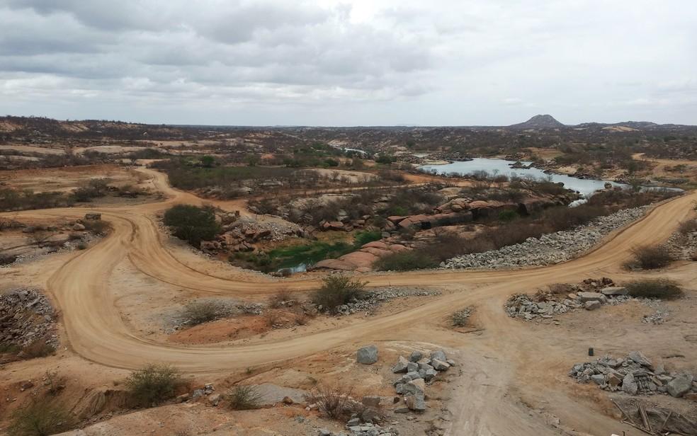 Barragem fica no município de Jucuturu (Foto: Anderson Barbosa e Fred Carvalho/G1)