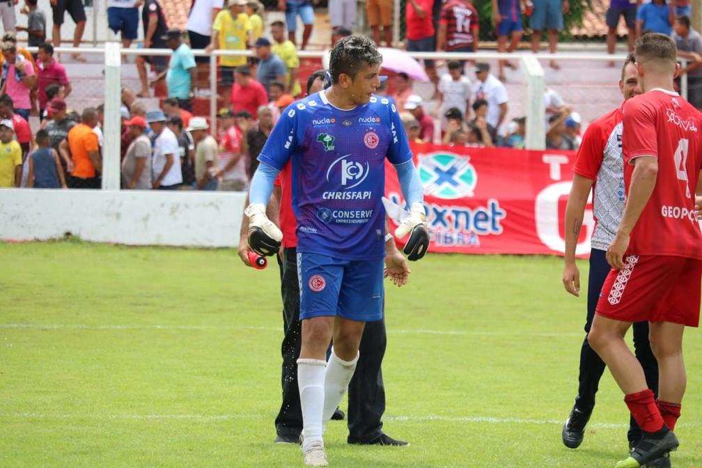 Jaílson, goleiro do 4 de Julho — Foto: Josiel Martins/GloboEsporte.com