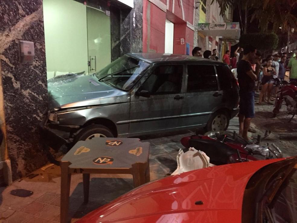 Homem foi preso na noite deste sábado (23) em Caraúbas (Foto: Polícia Militar/Divulgação)