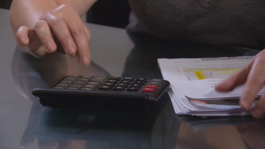 Fechar as contas no fim do mês está impossível para 85% das famílias belo-horizontinas — Foto: Reprodução/TV Globo