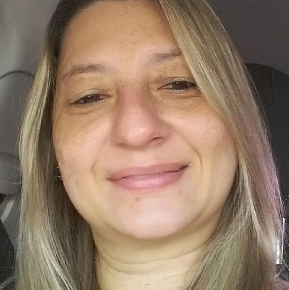 A enfermeira Alessandra Bárbara Pereira Leite morreu internada nesta segunda-feira (18) com coronavírus (Covid-19), em Cuiabá — Foto: Facebook