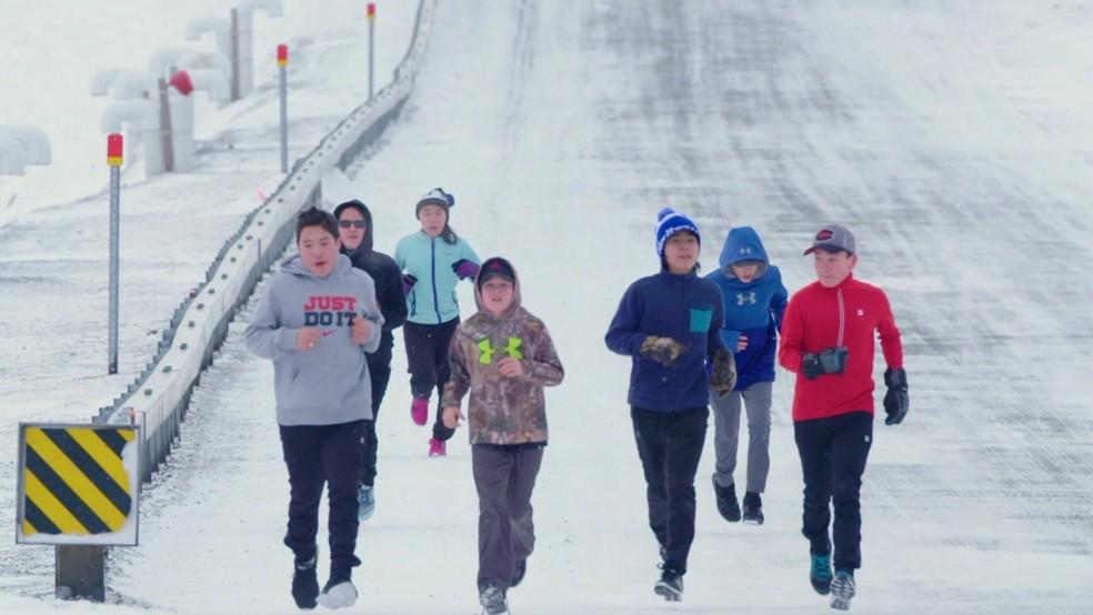Alunos enfrentaram maratona no Ártico (Foto: BBC )