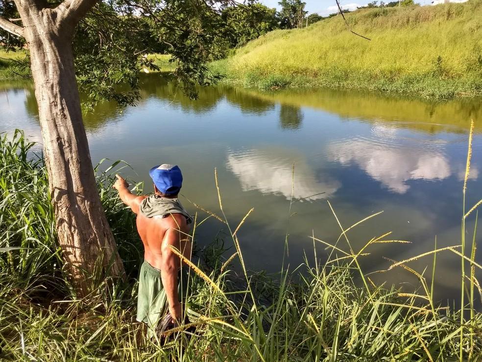 Lagoa fica no Bairro Castanheiras (Foto: Tiago Carvalho/Inter TV dos Vales)
