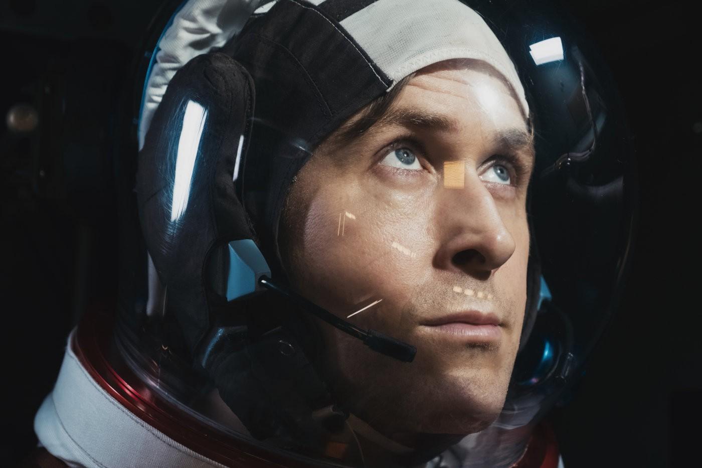 'O Primeiro Homem' é retrato sombrio e heroico da jornada de Neil Armstrong à lua; G1 já viu