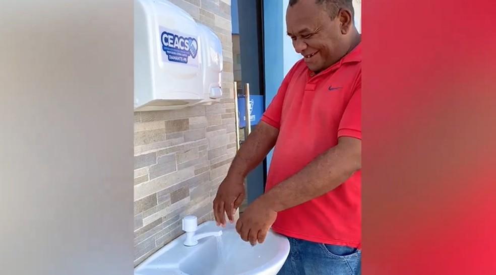 População de Diamante passou a usar lavatório desde o dia 30 de março  — Foto: Divulgação