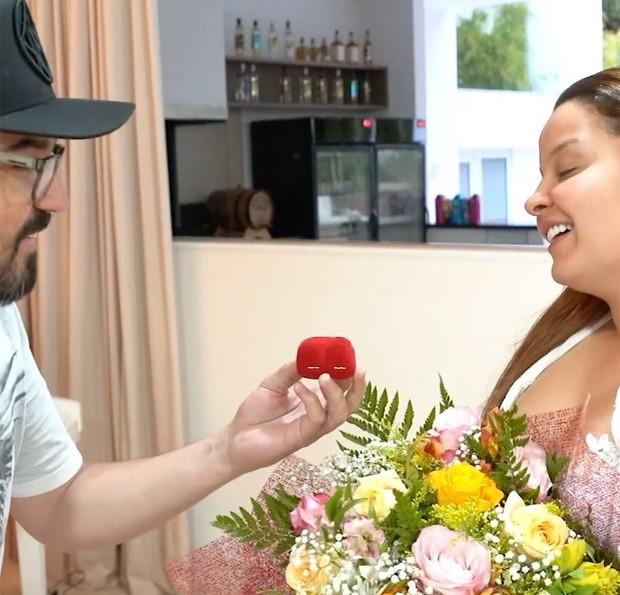 Fernando Zor faz pedido de casamento fake para Maiara (Foto: Reprodução/Instagram)