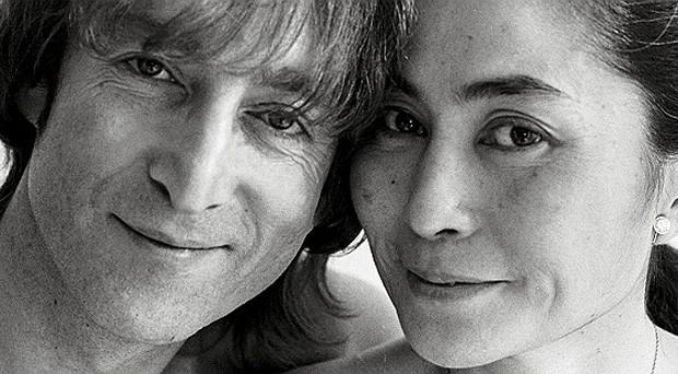John Lennon e Yoko Ono (Foto: Reprodução)