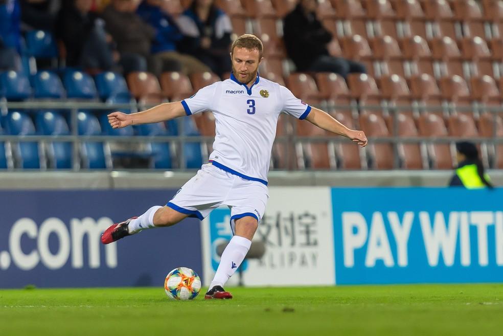 Varazdat Haroyan é o capitão da seleção da Armênia — Foto: Getty Images