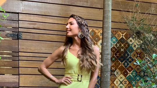Patrícia Poeta aposta na cor amarela e comenta: 'Associada à prosperidade'