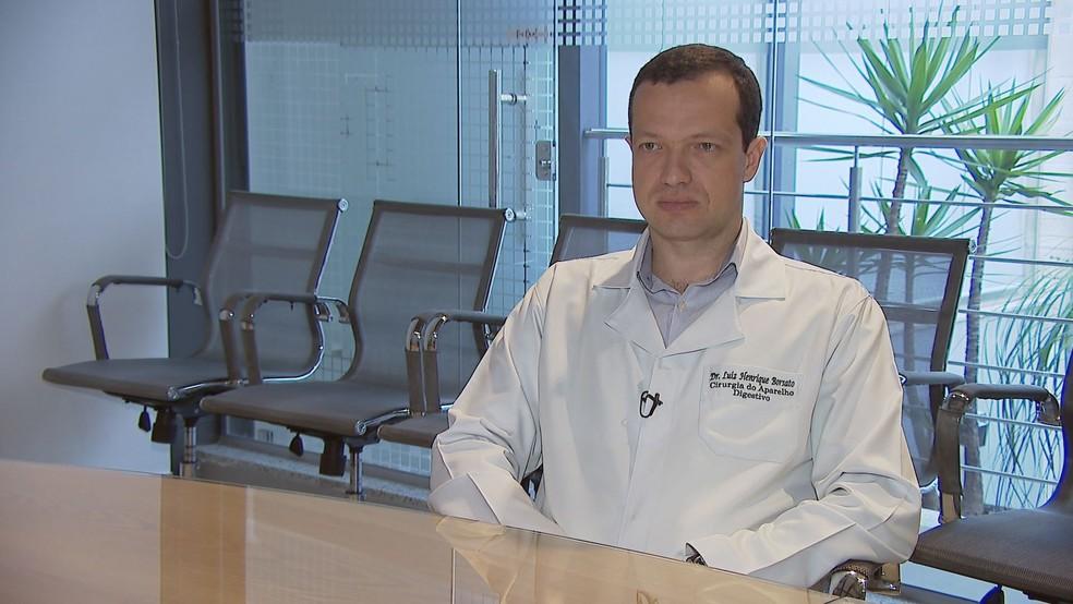O médico Luiz Henrique Borsato, da Santa Casa de Juiz de Fora — Foto: TV Integração/Reprodução