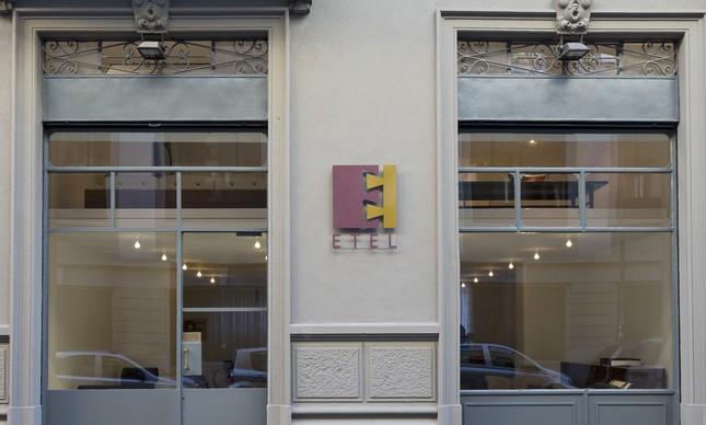 A loja fica no bairro de Brera, em Milão, o district design da capital internacional do design