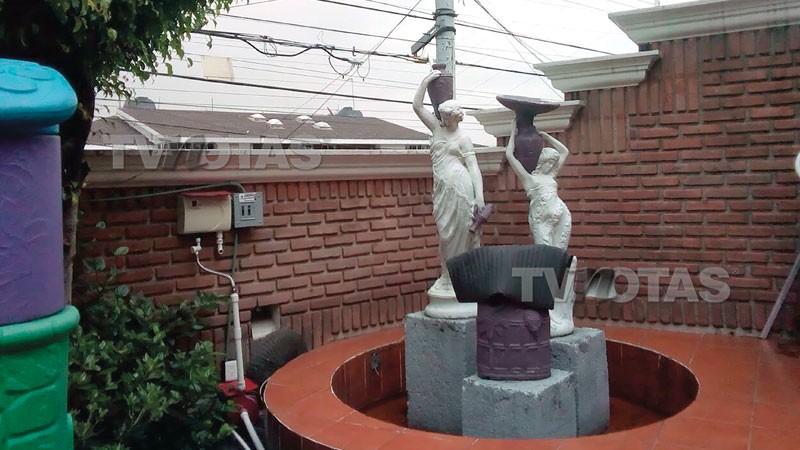 Condições da casa em que Gabriela Spanic vive no México (Foto: TV y Notas )