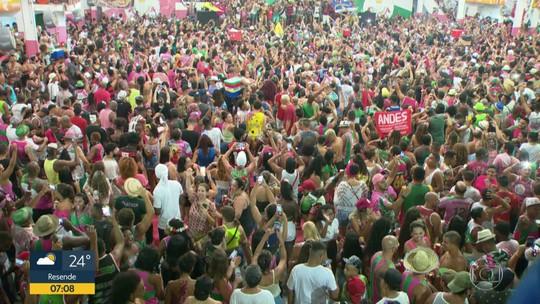 Filha de compositores da Mangueira deu sorte para samba-enredo vencedor, diz mãe