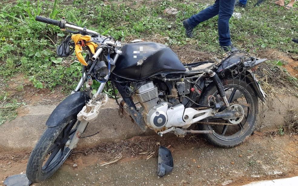 Passageiro de moto morreu após acidente em Paudalho, na Zona da Mata de Pernambuco — Foto: Polícia Rodoviária Federal/Divulgação