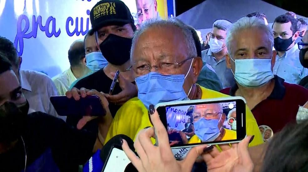 Prefeito eleito de Teresin, Dr. Pessoa, durante discurso de vitória — Foto: Reprodução/TV Clube