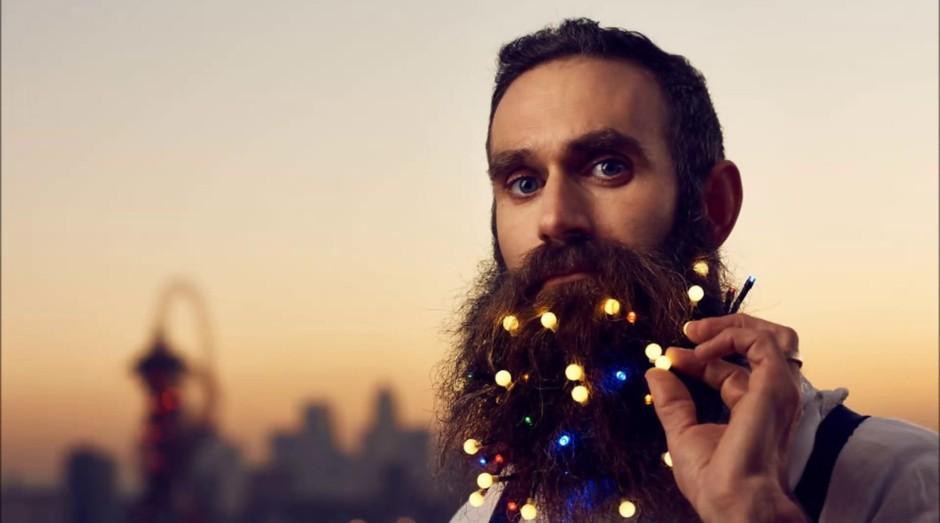 Luzinhas de Natal para barba serão tendência este ano (Foto: Divulgação)