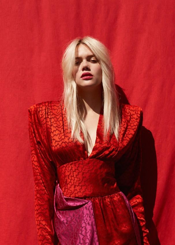 Fotógrafo: Sarah Kühl c/o Klaus Stiegemeyer Editor de Moda: Josepha Rodriguez c/o Helena Reich Hair & Beauty Artist: Carolin Jarchow c/o Nina Klein Model: Brielle c/o Vision LA (Foto: S)