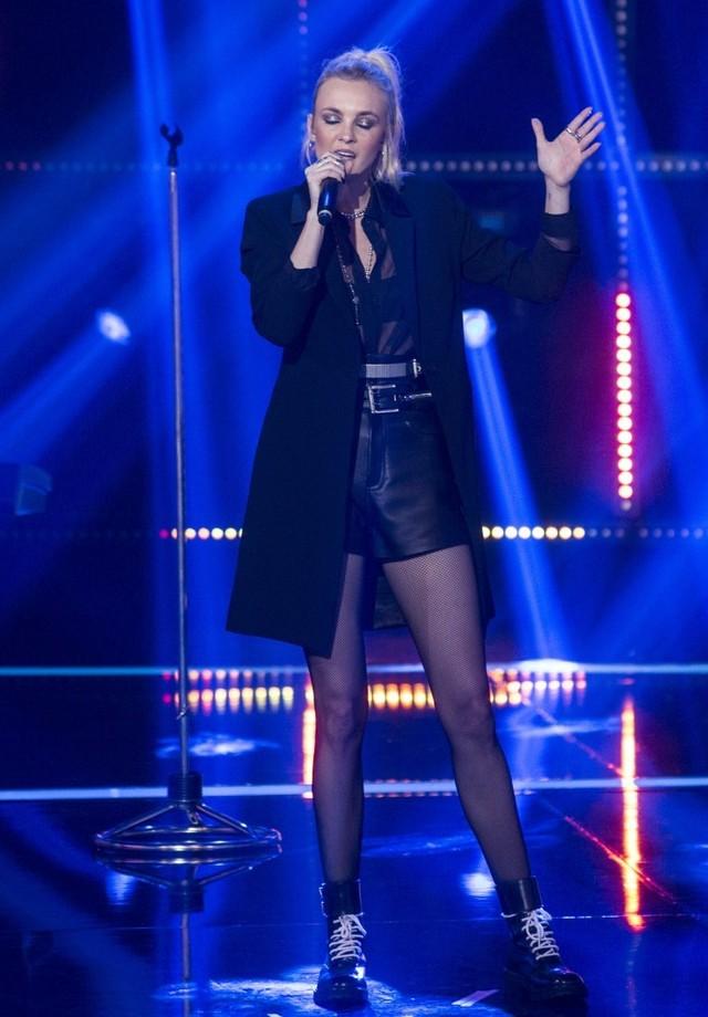 Caroline Trentini veste Ellus Jeans Deluxe em Popstar (Foto: Divulgação)