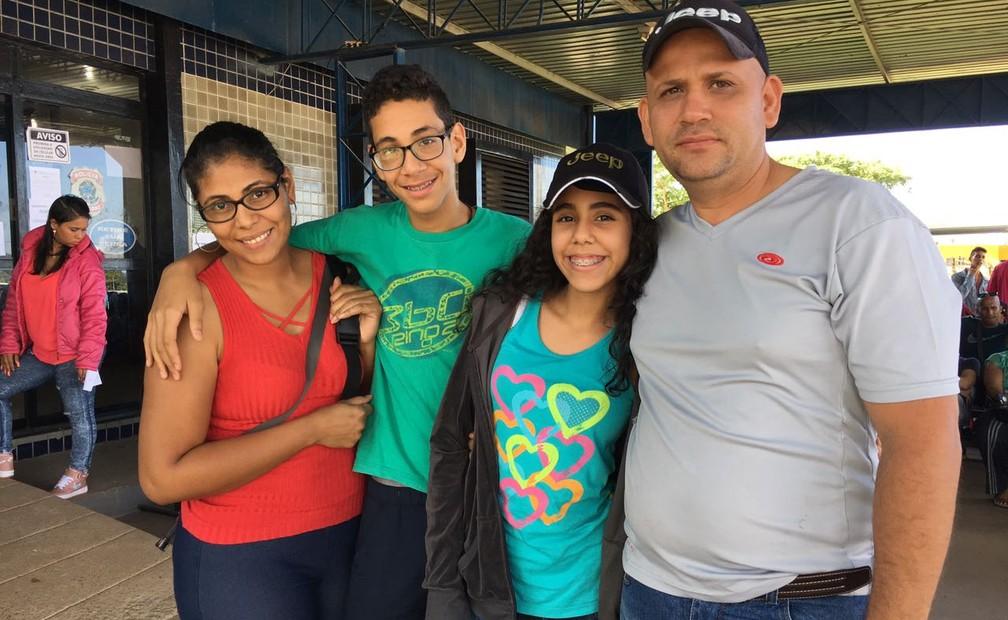 A família Gonzales resolveu mudar para Roraima após a instituição da Assembleia Constituinte pelo presidente venezuelano Nicolás Maduro (Foto: Emily Costa/G1 RR)